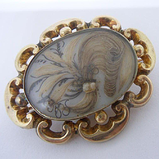Excellent Antique Victorian Mourning Hair Picture Locket Back 15ct Gold Brooch C1850