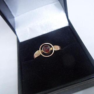 Simple Late Edwardian English Hallmarked 9ct Rose Gold and Garnet Target Ring 1916