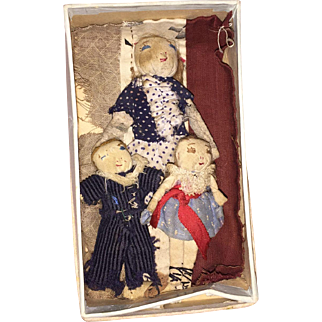 Antique Stitched Face Miniature Cloth Doll Family As Found