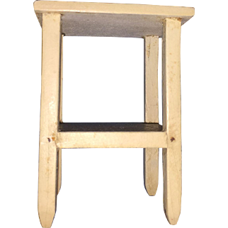 Tynietoy Dollhouse Miniature End Table Wash Stand