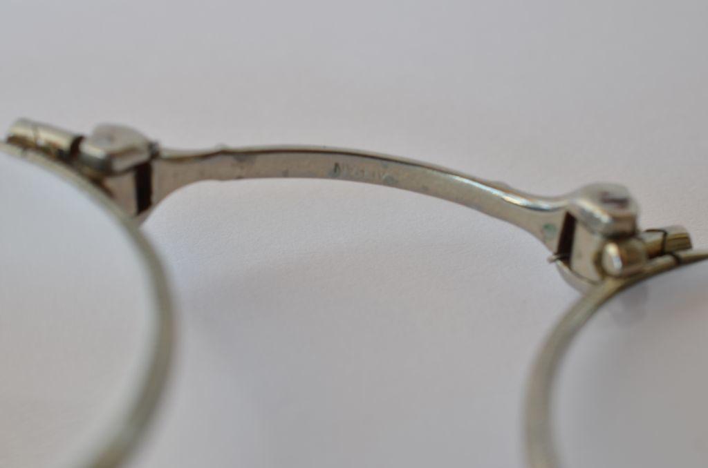 Art deco lorgnette of a white metal alloy alran c