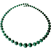 A vintage graduated bead malachite necklace.