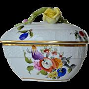 A vintage Herend ( post 1948 ) porcelain trinket box.