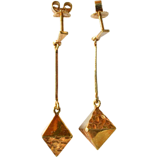 Pair of vintage 18ct. yellow gold drop earrings.