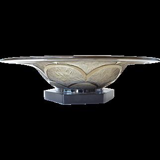 An Art Deco , 1935 c. , pressed glass bowl.