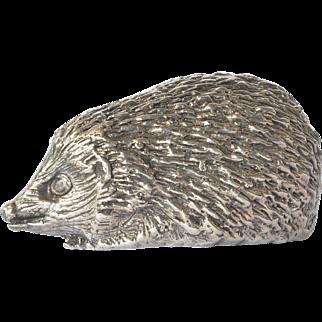 A vintage sterling silver ( 925 ) hedgehog figurine.