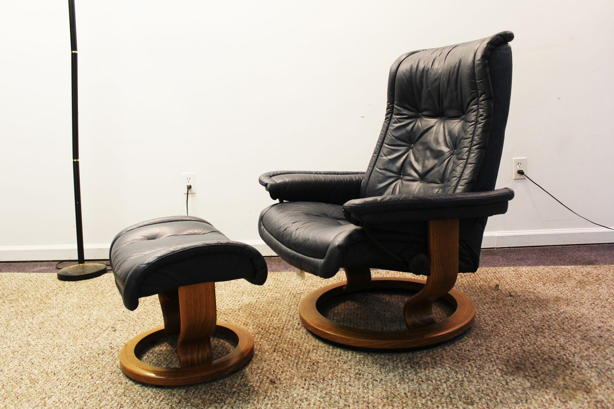 Mid Century Modern Ekornes Stressless Leather Recliner Chair