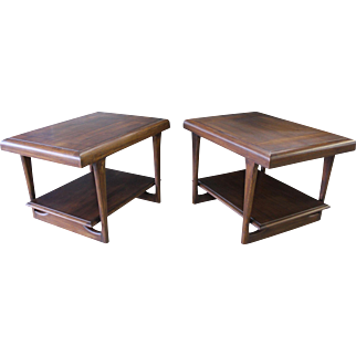 Pair of Matching Mid-Century Danish Modern Walnut Tapered Leg End Tables #6