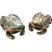 20th Century Pair of Ceramic Frogs from Shiwan