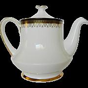 Paragon CLARENCE Teapot Gold Gilt English China Stoke on Trent