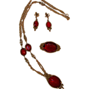 Captivating high-end CORO Suite. Necklace, brooch, clip dangle earrings.  Circa 1960's