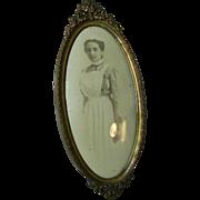Vintage Oval Metal Picture Frame.