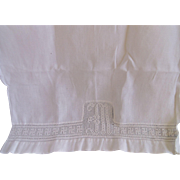 Rolling Log Good Luck Swastika Crochet Tatting Mantel/Dresser Scarf-Table Runner Linen