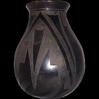 1940 San Ildefonso Native American Pottery LARGE VASE Isabel Pena (c1881-1960)