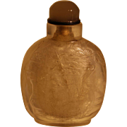 Delicately carved early 19th Century rock crystal snuff bottle