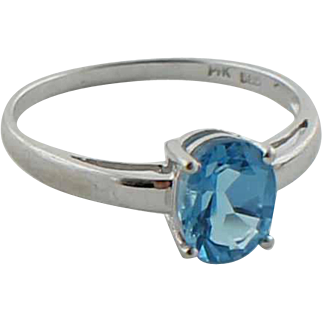 Sweet 14K White Gold & Blue Solitaire Oval Topaz Ring in Size 7.25