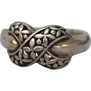 Sterling Silver Floral Overlapping X Design - Size 9