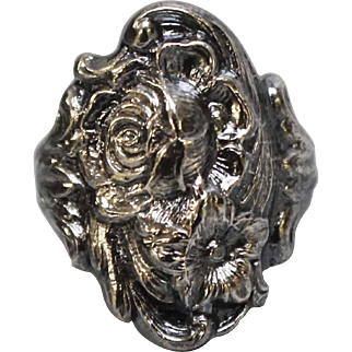 Beautiful & Ornate Sterling Silver S Kirk & Son Repousse Ring - Size 5.5