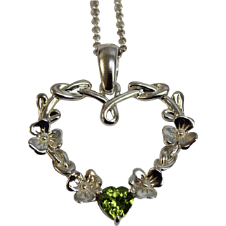 "Irish Heart Pendant in Sterling Silver - Intertwined Celtic Design w/Flowers & Heart Shaped Green CZ - Includes 20"" Necklace"
