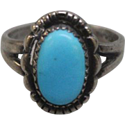 Women's Sterling Silver & Oval Turquoise Ring - Signed - Size 5.5