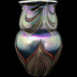 Lundberg Studio Irridescent Pulled Feather Vase / 1979