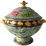 Soup Tureen in Majolica with Vegetable Decoration  Wasmuel