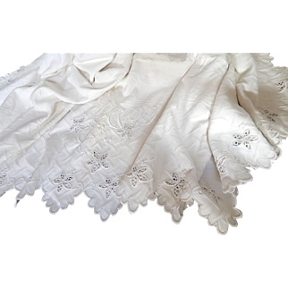 Fine French Vintage White Pique Coverlet with Scalloped Border