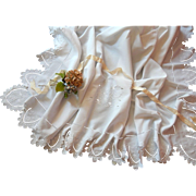 Fine French Vintage Linen Sheet of Large Size with Exceptional Embroidery