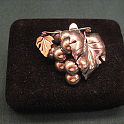 Vintage Rancho Alegre Mexican Sterling Pin With Grapes And Leaves