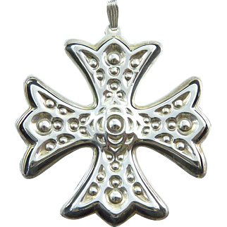 1975 Sterling Silver Reed & Barton Christmas Cross Medallion