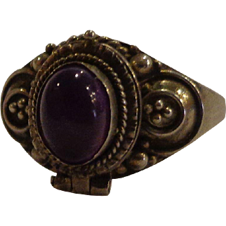 Vintage Poison Ring .925 Mexico Sterling Amethyst