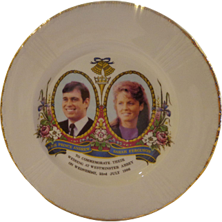 Vintage Prince Andrew & Sarah Ferguson Fergie Commemorative Royal Wedding Plate 1986 Westminster Abbey Fine Bone China