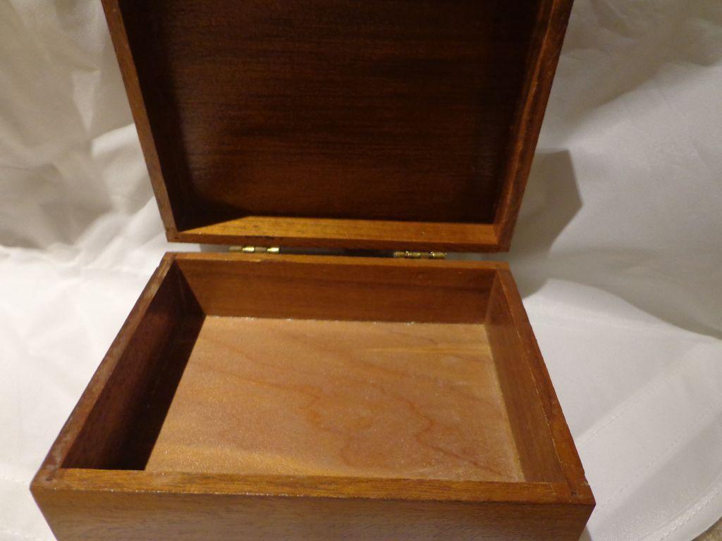 Vintage art deco style walnut box borzoi russian wolfhound for Deco style retro
