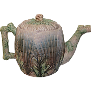 Majolica Etruscan Shell and Seaweed Teapot with Lid