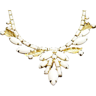 Milk Glass Necklace, Designed by Weiss, 1950s, Mid Century, Vintage Jewelry