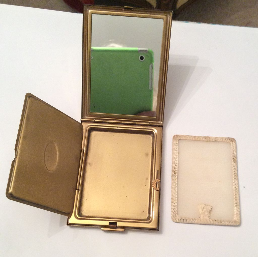 sold kigu vintage compact art deco from ourboudoir on ruby lane