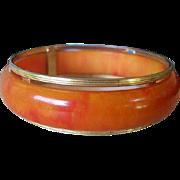 Marbled Orange Swirl Bakelite Bracelet Bangle with Gold Tone Rim Art Deco // Mid Century Vintage Jewelry SUMMER SALE