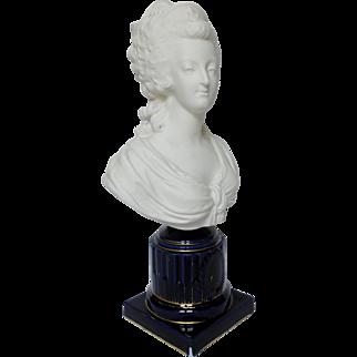 Porcelain biscuit after Boizot : bust of Marie-Antoinette Queen of France, Cobalt pedestal