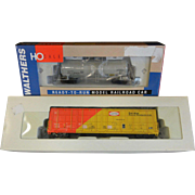 Set of Two HO Scale Model Train Cars - Canadian Forest Car & UTLX Tank Car