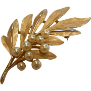 Vintage Trifari Gold-Tone Leaf Brooch w/ Faux-Pearls