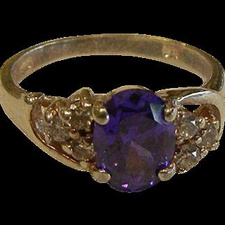 Lovely Sterling Silver Ring w/ Purple Gemstone