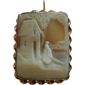 Vintage Gold Filled Hand Carved Cameo Pendant