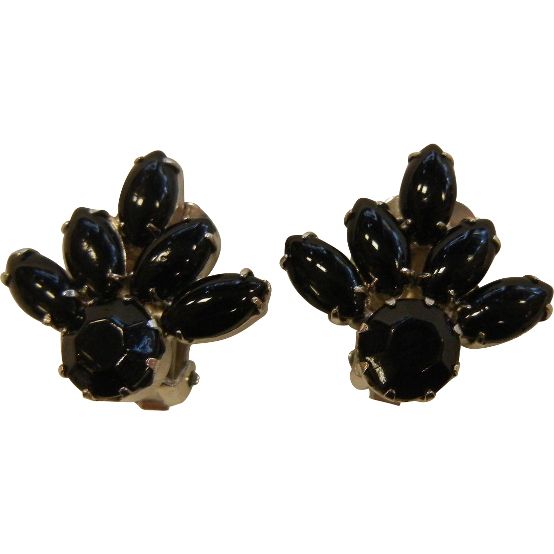 vintage weiss clip earrings w black glass rhinestones. Black Bedroom Furniture Sets. Home Design Ideas