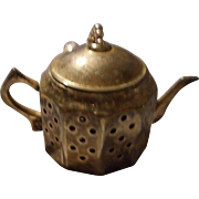 Vintage English Teapot tea Strainer