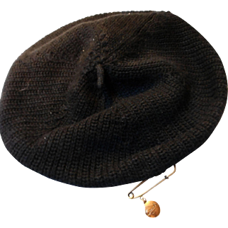 """Vintage Knit Beret with Vintage """"Coach"""" Hat Pin"""