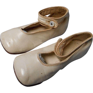 Vintage White Leather Button top Child's Shoes