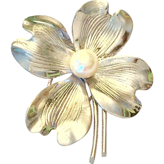Bick & Son sterling and cultured pearl brooch - dogwood flower