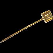 Button shaped 14K gold stickpin