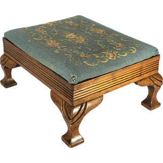 Antique Chippendale Style Rembrandt Tapestry Foot Stool Circa:  1850 - 1900.