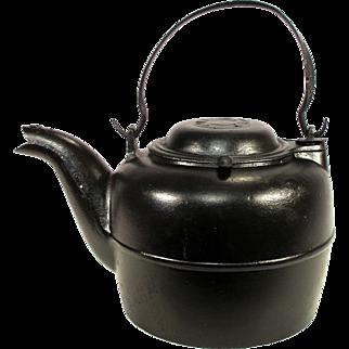 Antique Rare A.G.P Foundry Ohio Bulls Eye Logo Bird Spout Stove Cast Iron Camp Fire Tea Kettle Pot